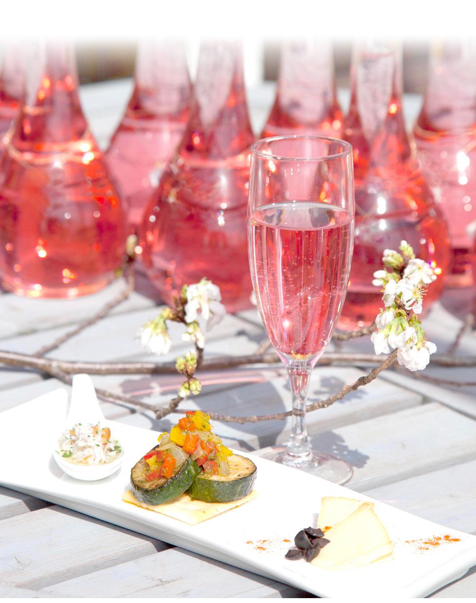 梅酒の大会で日本一になった事もある当社(中野BC)が作ったから、洋食など濃い味のお料理にも合う梅酒になりました。