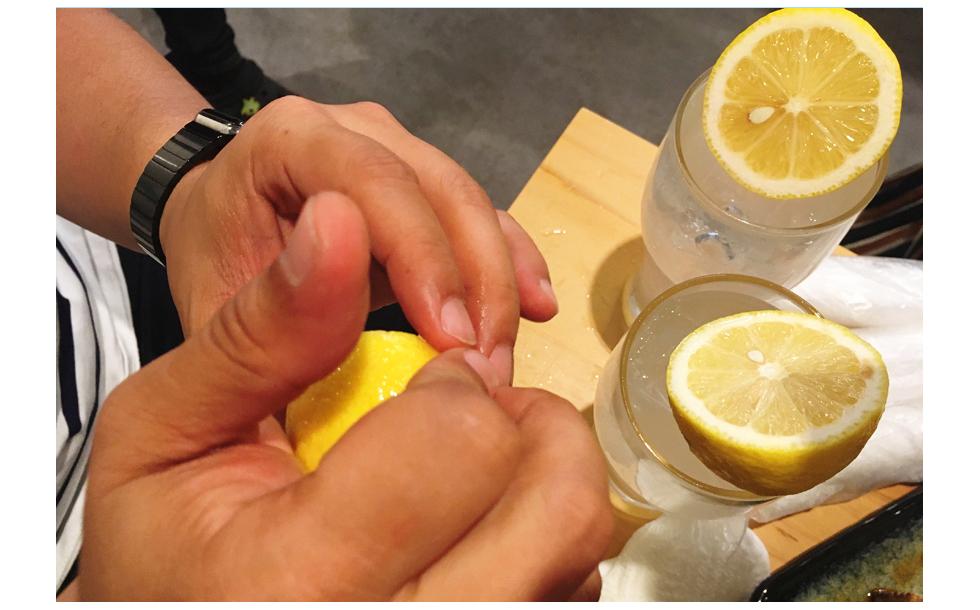 生レモンを絞っても美味しい